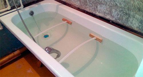 Акрилова вставка в ванну